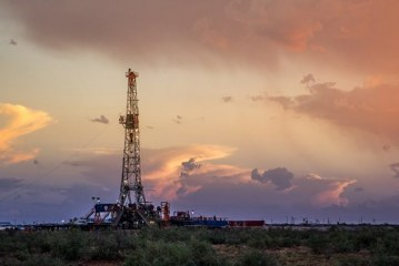 U.S. drillers cut oil rigs for second week in three – Baker Hughes