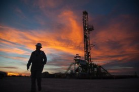 U.S. oil drillers cut rigs for third week in a row: Baker Hughes
