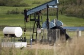 Despite investor pressure, Canadian oilpatch favours growth over dividends