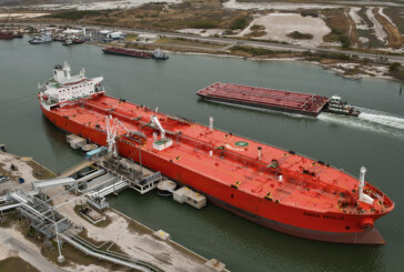 Gridlocked in Canada, TransCanada eyes Gulf Coast for oil and LNG exports