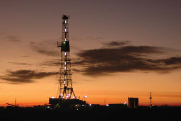 U.S. oil drillers cut rigs for first week in three