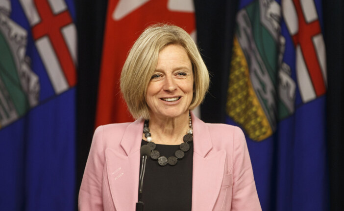 Alberta threatens to cut off oil exports to B.C. if Trans Mountain obstruction continues