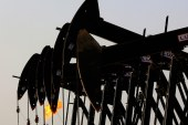 Canadian oil output to hit 5 million bpd output by 2018 as growth cycle nears end