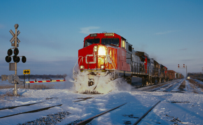 Rail shipments of Canadian oil to U.S. seen rising over 60%
