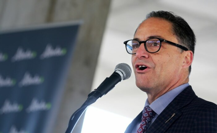 Varcoe: Rating agency pans Alberta's new budget, calling it 'a pipeline dream'