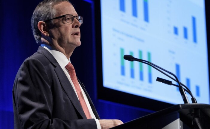 Varcoe: Oilpatch CEOs warn investment at risk as pipeline quagmire deepens