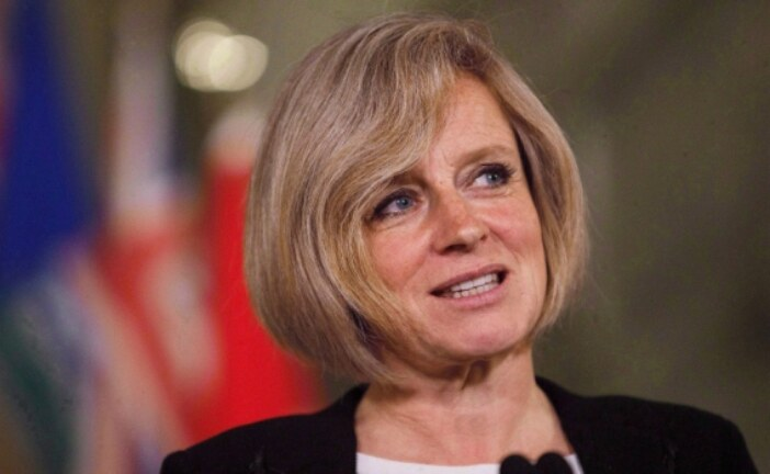 Notley to skip premiers conference so she can focus on pipeline deal