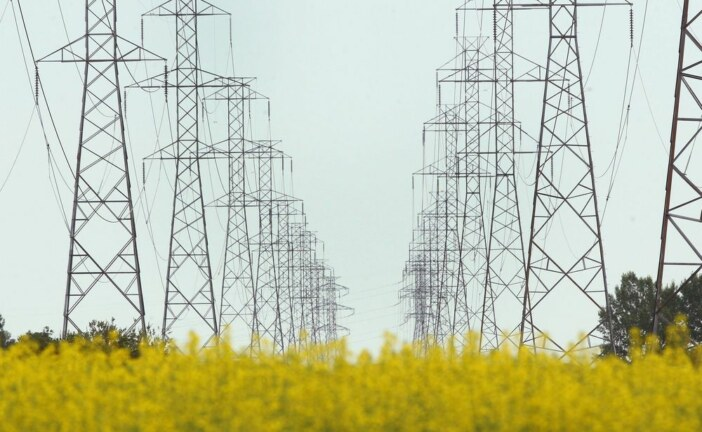 Heat wave causes power demand to surge to near-winter levels in Alberta