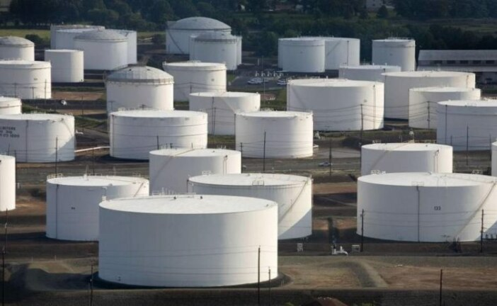 Oil falls as U.S. crude inventories jump unexpectedly