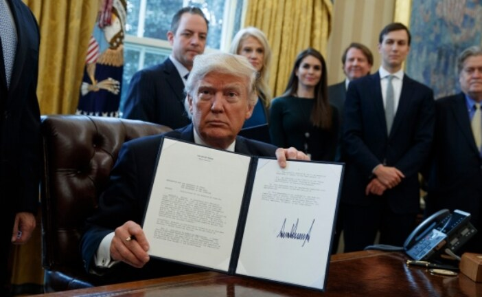 Trump issues new permit for stalled Keystone XL pipeline