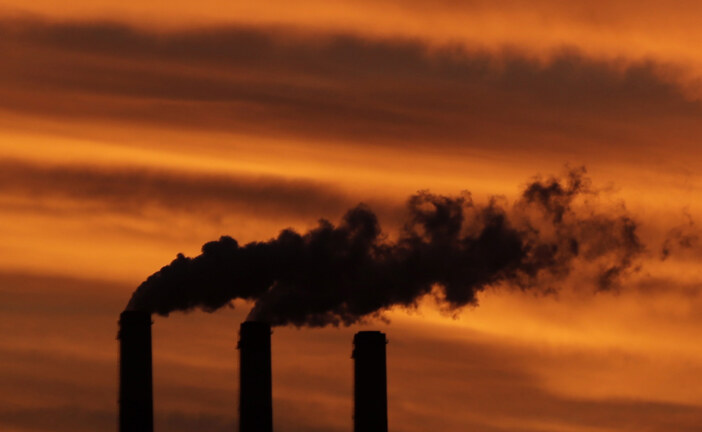 More Canadian banks measuring carbon risk as clients demand more analysis