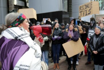 Solidarity rally for Wet'suwet'en First Nation met by pro-pipeline activists