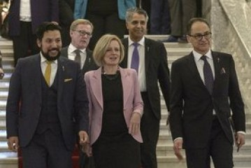 Notley says Quebec premier 'needs to get off his high horse': This week's best quotes