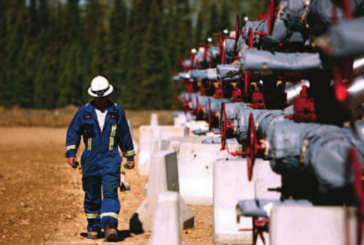 Heavy discount narrows slightly, pipeline outage in focus