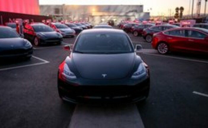 Electric vehicle sales spike in Q3 on federal subsidy