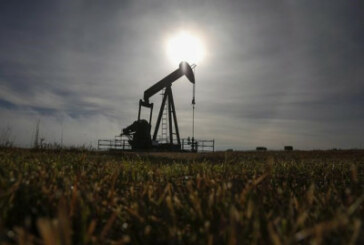 Prolonged oil industry slump leads to third cut in Canadian drilling forecast