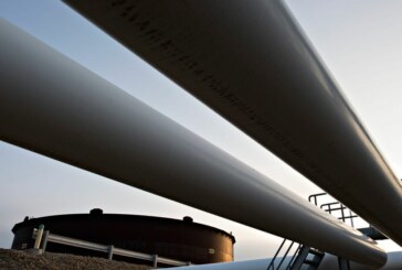 Enbridge sets high bar to build pipelines as big projects get riskier