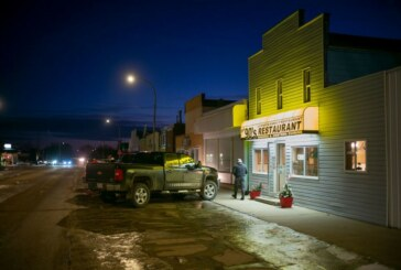 Oyen, on the Canadian Prairie, Braces for an End to Keystone XL Pipeline Construction
