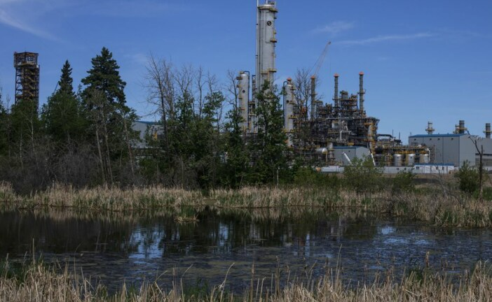 'Multiple rounds of bids': Brookfield tops bid for Inter Pipeline, setting off war with Pembina